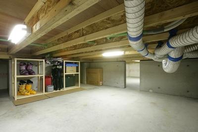 静岡県静岡市の工務店Sanki Haus(サンキハウス)・基礎断熱・保管庫利用例