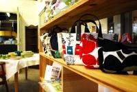 静岡県静岡市の工務店Sanki Haus(サンキハウス)・雑貨ショップFIKA店内1